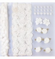H&C12214-1401 Pompoms & Flowers Embellishments White