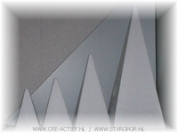 Styropor Piramide 45cm bodem: 18x18cm
