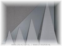 Styropor Piramide 30cm bodem: 14x14cm