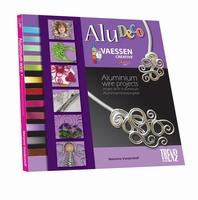 Boek AluDeco Aluminium Wire Projects art.35999 100 pag. Pap.22,5x22,5cm