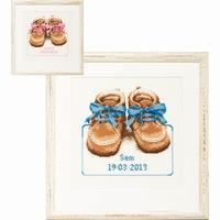 PAKO 076.225285 Geboortetegel schoentjes borduren