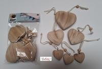 Houten hartjes, set van 6 hartjes aan koordje diverse maten