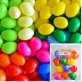 Pasen: Plastic eieren wit en gekleurd